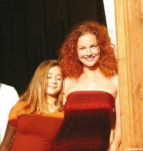 Zwei Mädels auf der Sonnenseite des Lebens