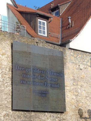 Heizungsunternehmer Johannes Weller aus Marbach am Neckar, der Geburtsstadt Schillers, hat sich ein treffendes Zitat des Dichters als Motto gewählt.