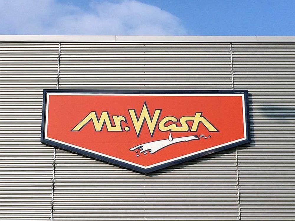 Solaranlage bei Mr. Wash in Mannheim