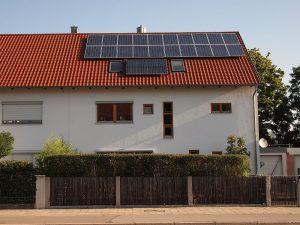 Klassiker: Photovoltaik zur Stromerzeugung, dazu ein Kollektor für das warme Wasser - da geht noch mehr