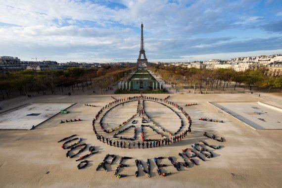 aerial_art-Installation_COP21_klein