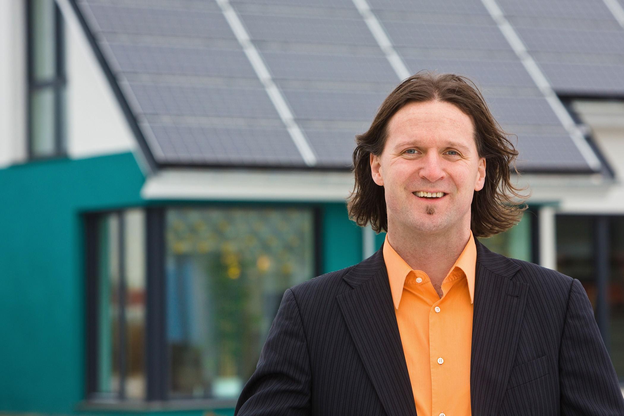 Timo Leukefeld, Prof. Dipl. Ing. , Planer von energieautarken H?usern , MR vorhanden