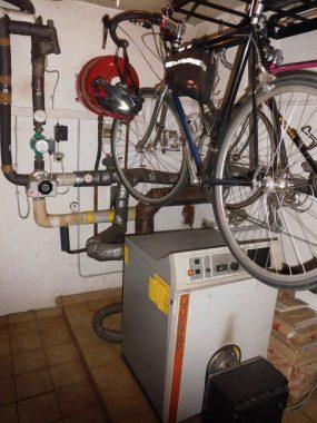 Die alte Ölheizung ... Foto. Bulter GmbH