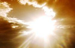 Sonne scheint und liefert Energie