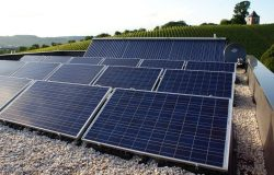 Solarthermie plus PV = Energiedach auf Passivhaus