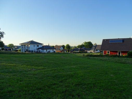 SOlarthermie-Anlagen auf Nachbarhäusern