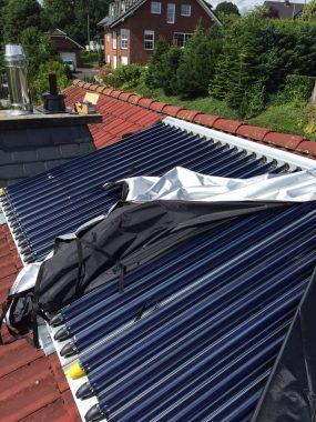 Die Solarthermie-Kollektoren auf dem Dach des Freidhofschen Hauses. Foto: Daniel Jansen