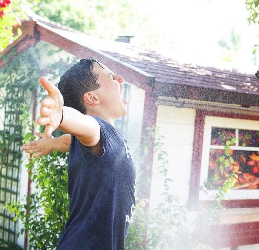Dusche im Garten mit Solarthermie