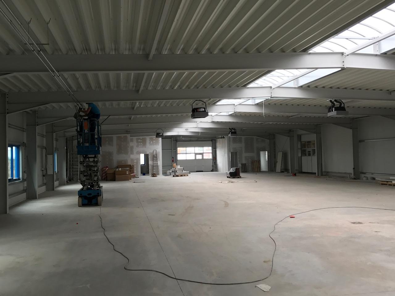 Rhedach-Werkhalle wird mit Pelletheizung ausgestattet