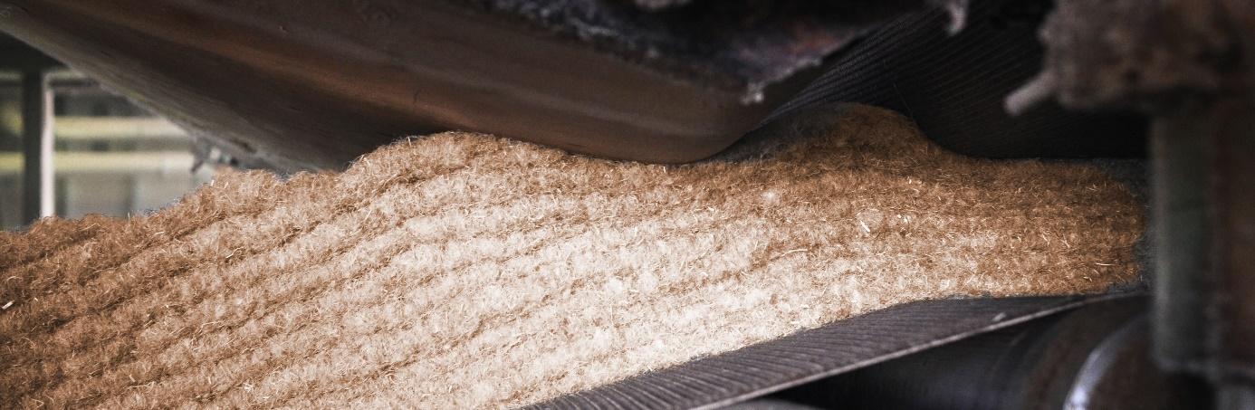 Jute-Dämmmatten aus gebrauchten Jutesäcken für Kakaobohnen