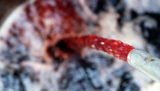 Heizöl – rot gefärbtes Heizöl