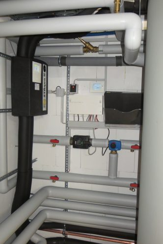 Die Regelung Systa AQUA II regelt den Solarkreis. Foto: Jeske GmbH
