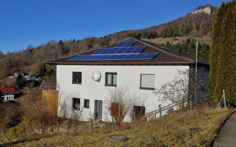 Energiesaniertes Gebäude mit Heizungsregelung SystaSmartC