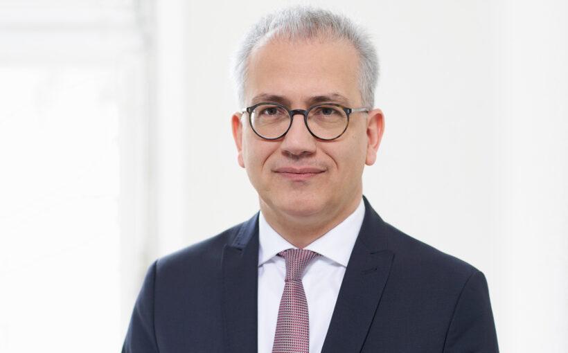 Minister Tarek Al-Wazir Hessen